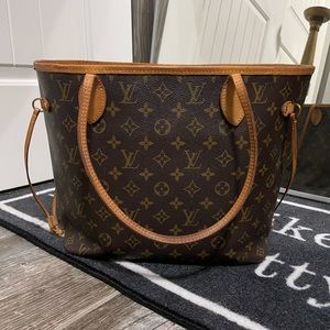 Neverfull MM Louis Vuitton Authentic.